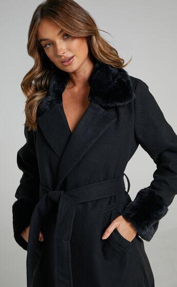 Manhattan Mornings Coat in Black