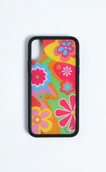 Wildflower - Iphone Case in Groovy Flowers