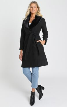 Showstopper Coat In Black