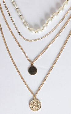 Celestina Layered Necklace In Gold And Pearl