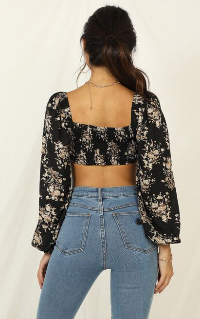 fall for you and me Top in black floral - 14 (XL), Black, hi-res image number null