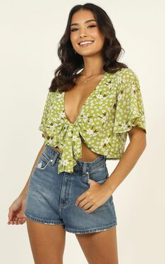Moment of Truth Top In Green Floral