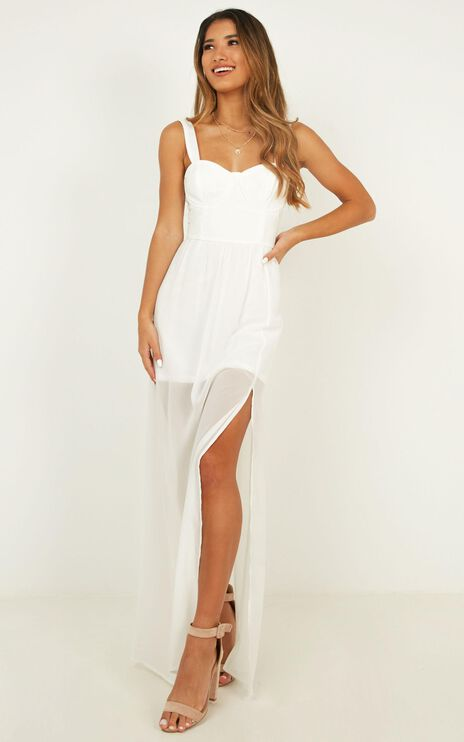 Night Stroll Dress In White