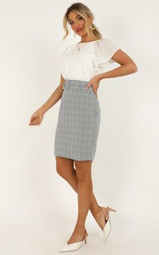 Planning Ahead Skirt In Grey Check