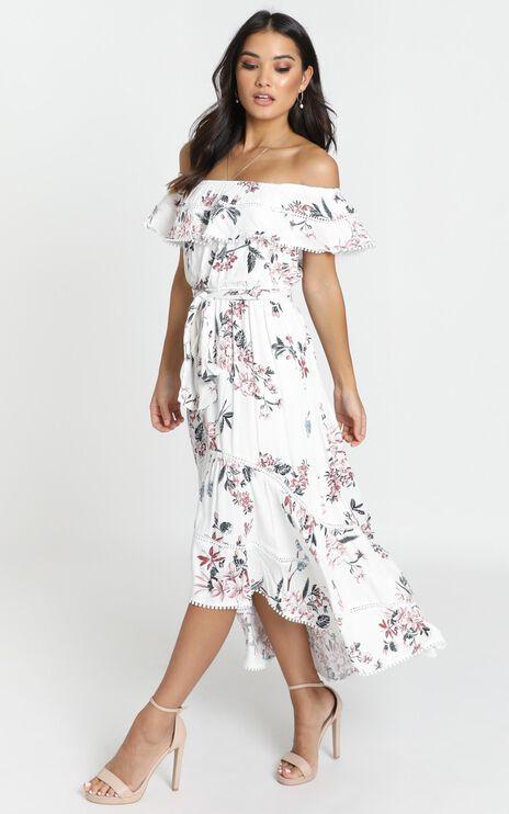 Ada Frill Maxi Dress In White Floral