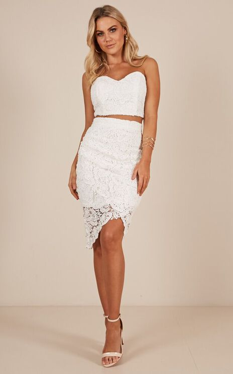 Daliah Two Piece Set In White Crochet