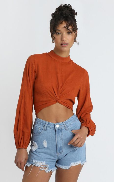 Find Another Way Denim Shorts In Mid Wash