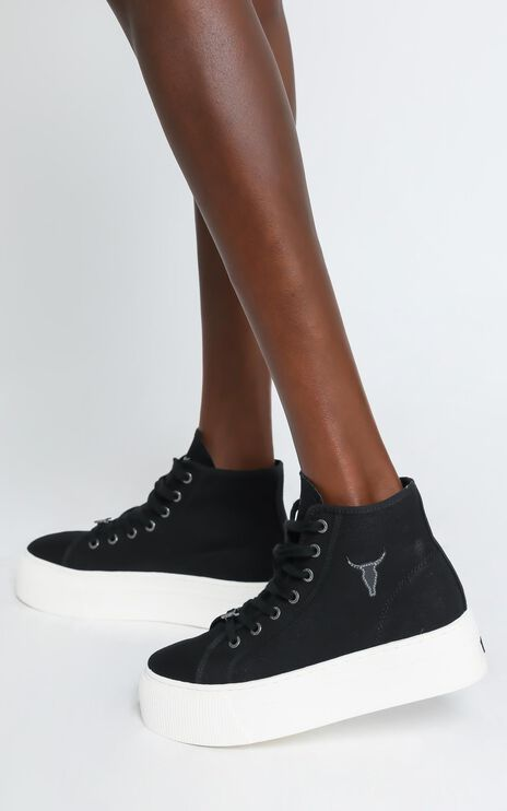 Windsor Smith - Runaway Sneakers in Black Canvas