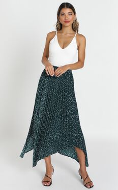 Feel The Rain Skirt In Emerald Spot
