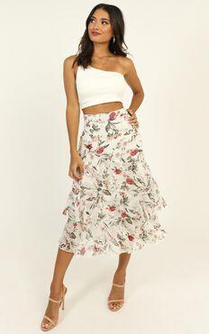 Summer Resort Skirt In White Floral