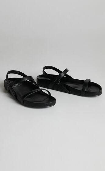 St Sana - Numero Wedge in Black