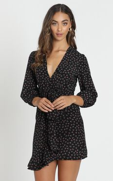 Shelby Dress With Waist Tie in Black Floral