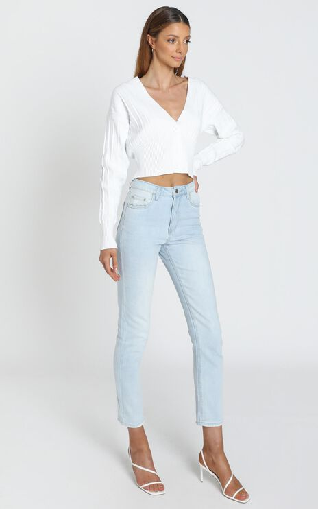 Una Jean in Light Blue Wash