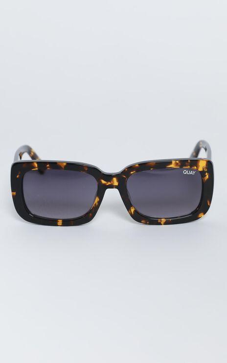 Quay - Yada Yada Sunglasses in Tort / Smoke