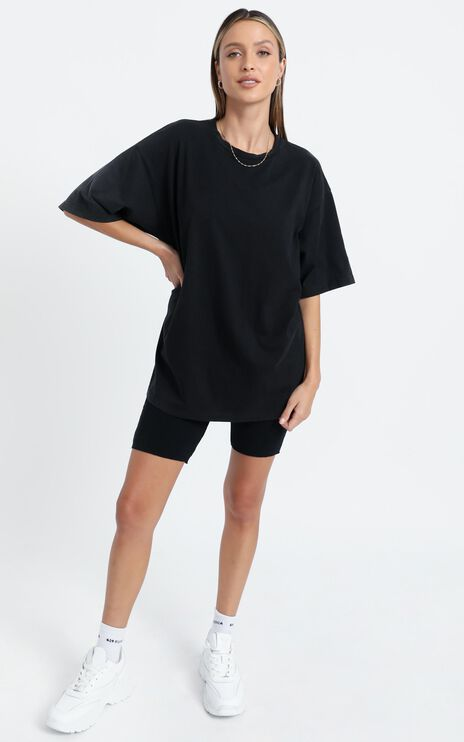 Carra Oversized Tee in Black