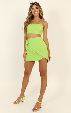 Keep On Turning Two Piece Set In Lime Green Linen Look