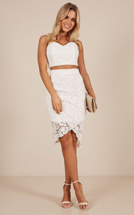 Daliah Two Piece Set In White Crochet