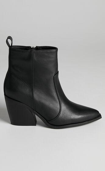 Therapy - Dallas Boots in Black