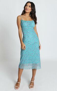 Floral Arrangement Dress in Blue Floral
