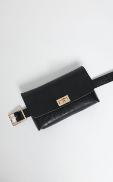 Secret Story Belt Bag In Black