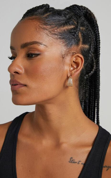 Claud Earrings in Gold