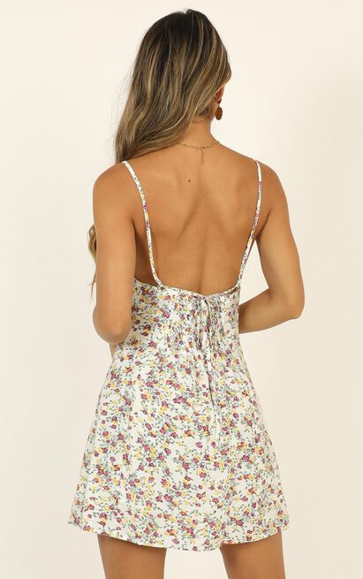 Climbing Mountains dress in white floral - 16 (XXL), White, hi-res image number null