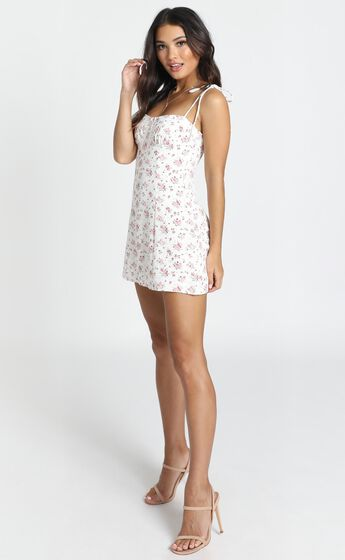 Be My Saviour Dress In White Floral