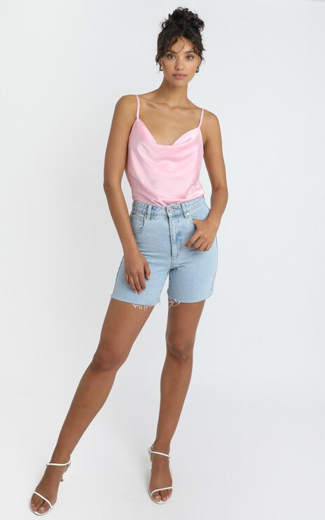 Straight Line Top in Soft Pink
