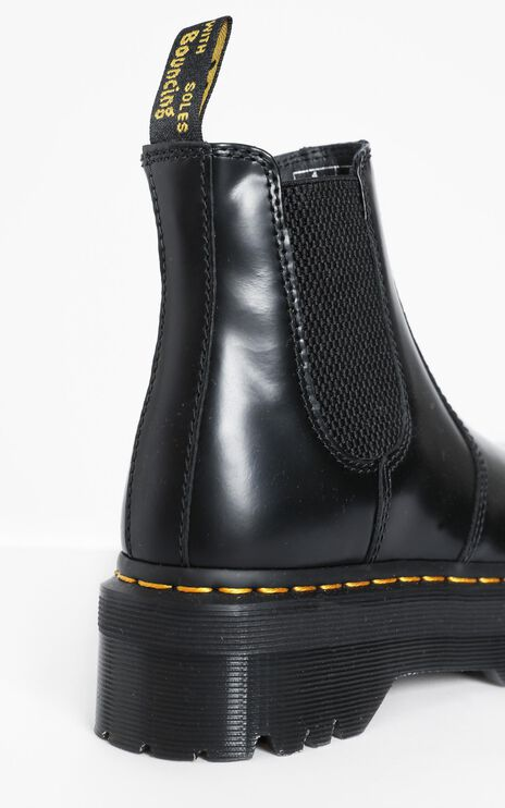 Dr. Martens - 2976 Quad Chelsea Boots in Black