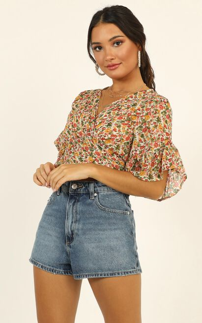 Everything I Deserve Ruffle Top in multi floral - 12 (L), Beige, hi-res image number null