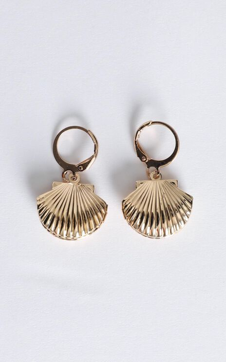 Shoreline Shell Hoop Earrings In Gold