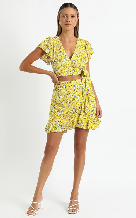Karrie Two Piece Set In Yellow Floral