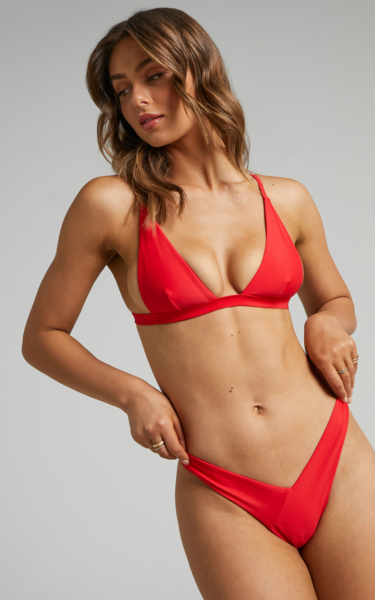 Twiin - New Era Low V Bikini Bottoms in Red - L, RED2, super-hi-res image number null