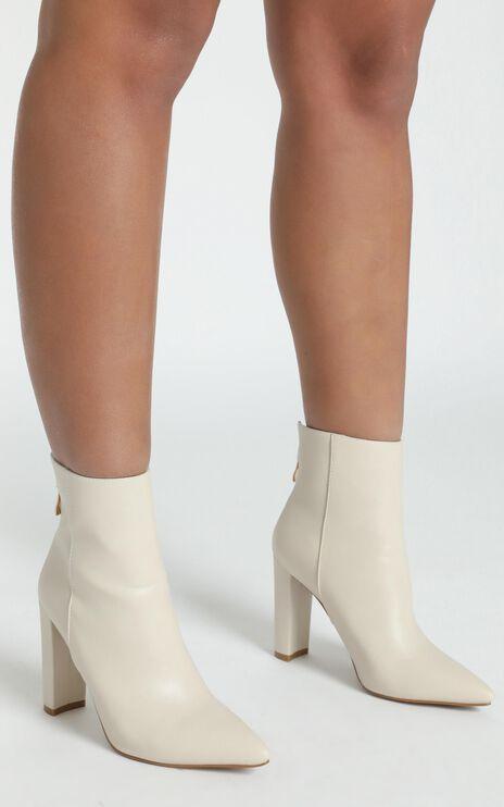 Billini - Kaden Boots in Milk