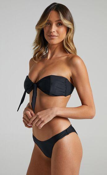 Neith Bikini Top in Black