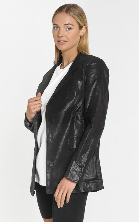 Lioness - The West Village Blazer in Black