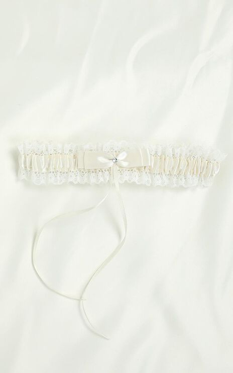 Love Baby Satin And Lace Garter In Ivory