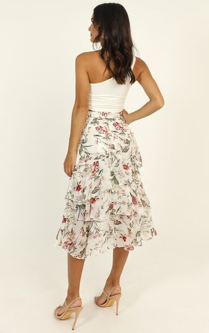Summer Resort skirt in white floral - 14 (XL), White, hi-res image number null