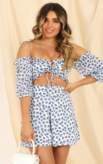 Ive Been Feelin Two Piece Set in blue floral - 14 (XL), Blue, hi-res image number null