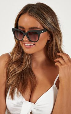 MinkPink - Lucid Sunglasses In Black Rubber
