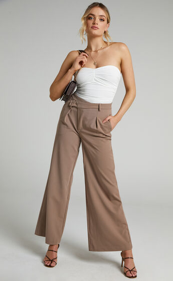 Ange Asymmetric Waistband Pants in Mushroom
