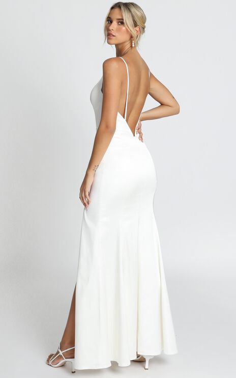 Fairy Tale Gown In ivory