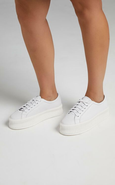Alias Mae - Adelaide Sneakers in White Napper Leather