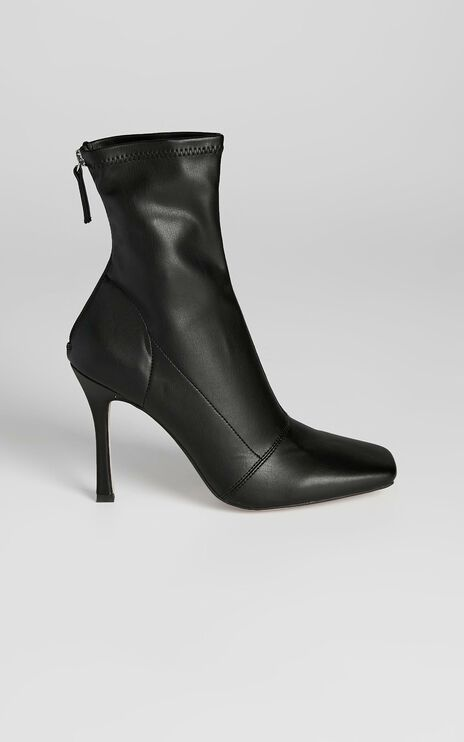Therapy - Yasmeen Boots in Black