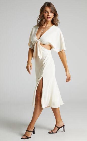 Joja Flutter Sleeve Cut Out Midi Dress in Cream