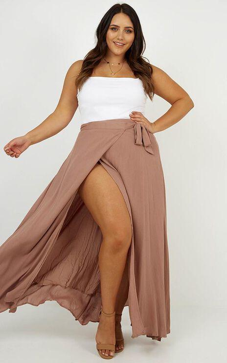 Break A Leg Maxi Skirt In Mocha