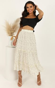 Top It Up Skirt In White Spot
