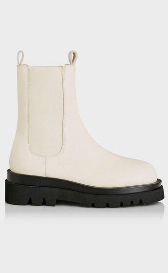 Alias Mae - Cam Boots in Bone Tumble