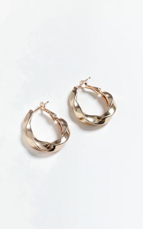 Ola Earrings in Gold