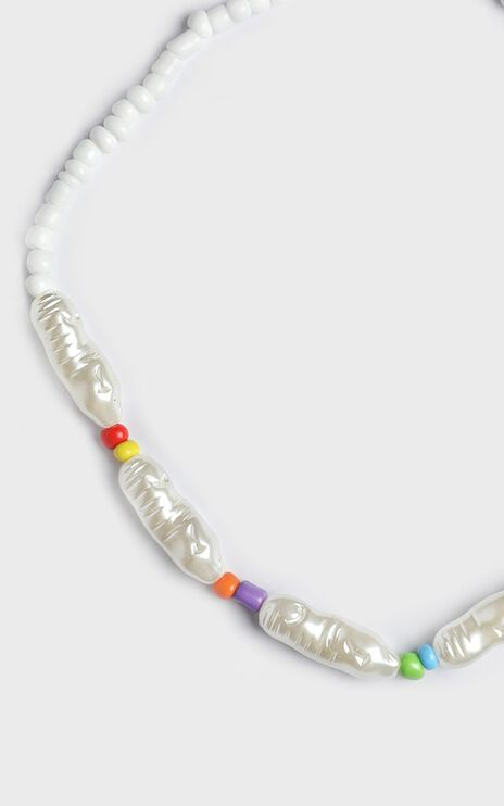 Hadleigh Bead Necklace In Pearl